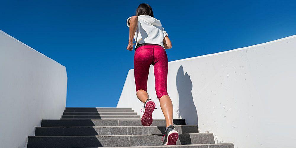 Shutterstock.com - běh na schodech